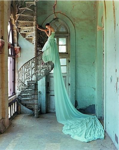 dress,fashion,aqua,art,art,nouveau,artistic-0f0661e9604d82baf312d241ea2e521f_h